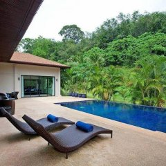 Отель Villa Anyamanee бассейн
