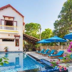 Отель An Bang Gold Coast Villa бассейн