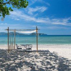 Отель Thavorn Beach Village Resort & Spa Phuket пляж фото 2