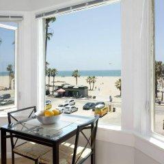 Отель Air Venice on the Beach США, Лос-Анджелес - отзывы, цены и фото номеров - забронировать отель Air Venice on the Beach онлайн балкон