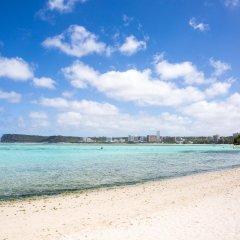 One Pacific Hotel пляж