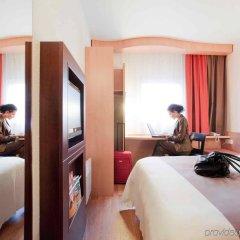 Отель Ibis Kaunas Centre Литва, Каунас - 9 отзывов об отеле, цены и фото номеров - забронировать отель Ibis Kaunas Centre онлайн комната для гостей фото 5