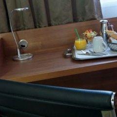 Отель Holiday Inn Clermont-Ferrand Centre Франция, Клермон-Ферран - отзывы, цены и фото номеров - забронировать отель Holiday Inn Clermont-Ferrand Centre онлайн сейф в номере