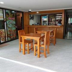 Отель Welcome Inn Karon гостиничный бар
