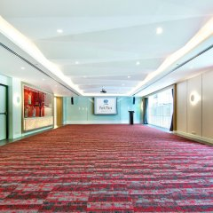 Отель Park Plaza Bangkok Soi 18