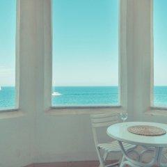 Отель Seafront Apartment in Sliema wt Breathtaking Views Мальта, Слима - отзывы, цены и фото номеров - забронировать отель Seafront Apartment in Sliema wt Breathtaking Views онлайн балкон