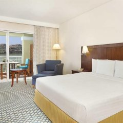 Отель Courtyard by Marriott Dubai Green Community комната для гостей фото 3