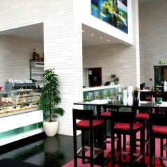 Отель Vienna House Andel´s Berlin гостиничный бар фото 8