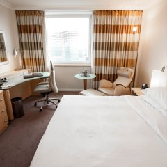 Отель Hilton Düsseldorf комната для гостей