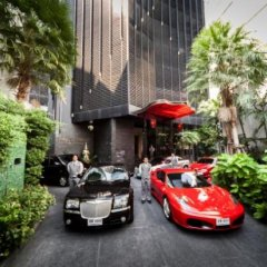 Отель The Continent Bangkok by Compass Hospitality парковка