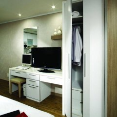 Отель Yeoksam Human Starville Сеул удобства в номере