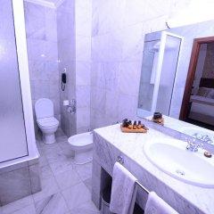 Отель Grand Hotel Villa de France Марокко, Танжер - 1 отзыв об отеле, цены и фото номеров - забронировать отель Grand Hotel Villa de France онлайн ванная фото 2