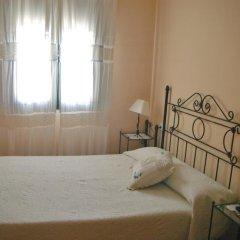 Отель Hostal Conde De La Encina Трухильо комната для гостей