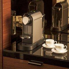 Отель Four Seasons Hotel London at Park Lane Великобритания, Лондон - 9 отзывов об отеле, цены и фото номеров - забронировать отель Four Seasons Hotel London at Park Lane онлайн удобства в номере фото 2