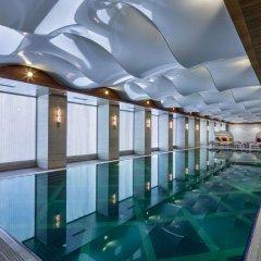 Отель DoubleTree by Hilton Istanbul Topkapi бассейн