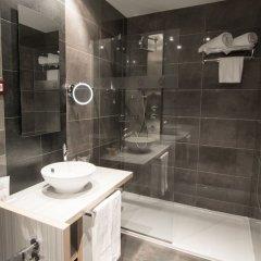 Отель Petit Palace Santa Barbara Мадрид ванная