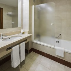 Отель Holiday Inn Madrid - Calle Alcala ванная