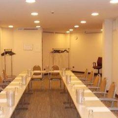 Отель Holiday Inn Milan Linate Airport Пескьера-Борромео фитнесс-зал