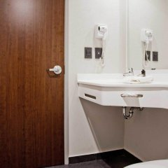 Отель City Express Ciudad Victoria ванная фото 2