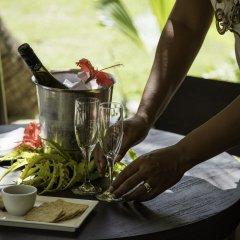 Отель Castaway Island Fiji гостиничный бар