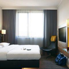 Отель Moxy Milan Linate Airport Италия, Сеграте - отзывы, цены и фото номеров - забронировать отель Moxy Milan Linate Airport онлайн комната для гостей
