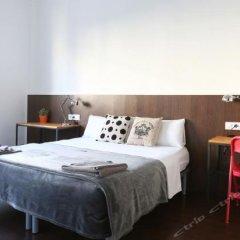 Отель Sweet BCN Traveller House сейф в номере