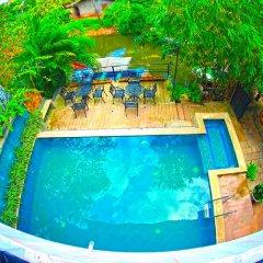 Отель Oneli Residence бассейн