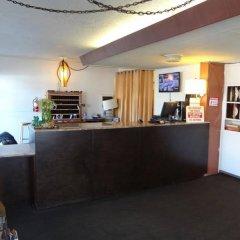 Отель Holiday Lodge США, Лос-Анджелес - отзывы, цены и фото номеров - забронировать отель Holiday Lodge онлайн интерьер отеля