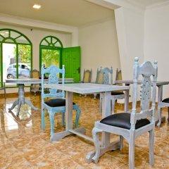 Отель Negombo Beach by Flipflop Hostels комната для гостей фото 5