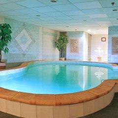 Hotel Dnipro бассейн