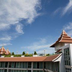 Aiyara Grand Hotel парковка
