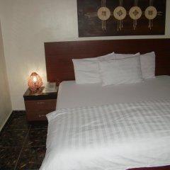 Отель Charlies Place And Suite комната для гостей фото 4