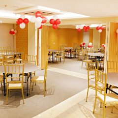 The Orion Plaza Hotel & Banquet питание