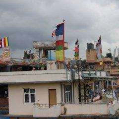 Отель Travellers Dorm Bed & Breakfast Непал, Катманду - отзывы, цены и фото номеров - забронировать отель Travellers Dorm Bed & Breakfast онлайн балкон