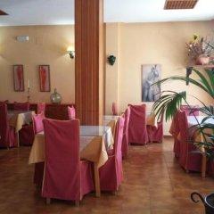 Отель Tres Jotas Испания, Кониль-де-ла-Фронтера - отзывы, цены и фото номеров - забронировать отель Tres Jotas онлайн помещение для мероприятий фото 2