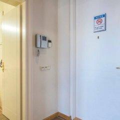 Апартаменты Old Riga Park Studio сейф в номере