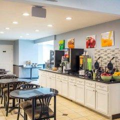 Отель Quality Inn and Suites North/Polaris США, Колумбус - отзывы, цены и фото номеров - забронировать отель Quality Inn and Suites North/Polaris онлайн питание