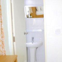 Отель Huraa East Inn Мальдивы, Хураа - отзывы, цены и фото номеров - забронировать отель Huraa East Inn онлайн ванная фото 2