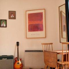 Отель Spacious Studio Apartment in Portobello Road Великобритания, Лондон - отзывы, цены и фото номеров - забронировать отель Spacious Studio Apartment in Portobello Road онлайн питание фото 2
