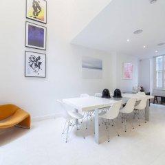 Апартаменты onefinestay - Soho Apartments комната для гостей фото 5