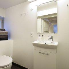 Отель A Duplex Apartment in the Center of Copenhagen Дания, Копенгаген - отзывы, цены и фото номеров - забронировать отель A Duplex Apartment in the Center of Copenhagen онлайн ванная фото 2