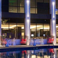 Отель Beverly Hills Marriott гостиничный бар