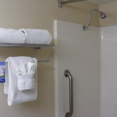 Отель Baymont Inn & Suites Orlando - Universal Studios ванная фото 2