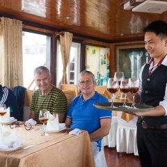 Отель Golden Star Cruise питание