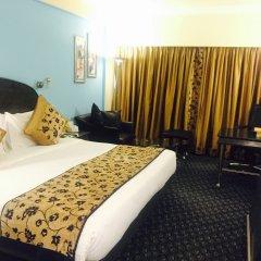 Отель The Suryaa New Delhi комната для гостей фото 3