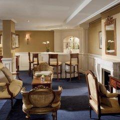 Отель Melia Paris Notre-Dame Франция, Париж - отзывы, цены и фото номеров - забронировать отель Melia Paris Notre-Dame онлайн гостиничный бар