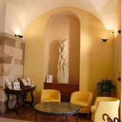 Отель La Cisterna Италия, Сан-Джиминьяно - 1 отзыв об отеле, цены и фото номеров - забронировать отель La Cisterna онлайн интерьер отеля фото 2