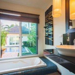 Отель Two Villas Holiday Oriental Style Layan Beach Таиланд, пляж Банг-Тао - отзывы, цены и фото номеров - забронировать отель Two Villas Holiday Oriental Style Layan Beach онлайн ванная