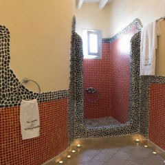 Отель Suites of the Gods Cave Spa ванная фото 2