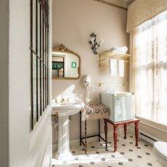 Отель Amethyst Inn at Regents Park Канада, Виктория - 1 отзыв об отеле, цены и фото номеров - забронировать отель Amethyst Inn at Regents Park онлайн ванная